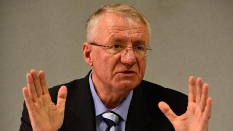 Se cere anularea verdictului de achitare a lui Vojislav Seselj de către TPIY