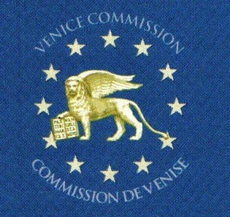Lovitură pentru Dragnea și Dăncilă: Ce pregătește Comisia de la Veneția pe legile justiției și codurile penale