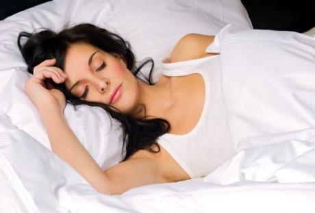 Somnul din timpul zilei, mare PERICOL pentru sănătate: Studiul care dă totul peste cap