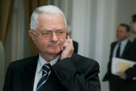 Scandal imens la primul termen al dosarului Mineriadei: Primul șef al SRI, Virgil Măgureanu, a fost HUIDUIT la sosirea la Curtea Militară de Apel - VIDEO