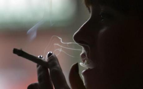 Statistică îngrijorătoare: Peste 10% dintre adolescenții din lume sunt fumători