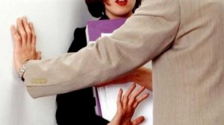 Guvernul a decis: Reguli stricte pentru combaterea discriminării sexuale și a hărțuirii sexuale la serviciu