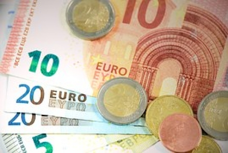 Fotbaliştii din naţionala Germaniei vor primi câte 350.000 de euro dacă vor câştiga Cupa Mondială