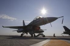 F16 avion Inquam Photos