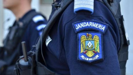 Un fals jandarm, care legitima oameni în Cluj-Napoca și le cerea sume de bani, a fost prins de un jandarm adevărat