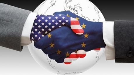 Purtătorul de cuvânt al guvernului britanic consideră că summitul de la Helsinki nu subminează alianţa transatlantică