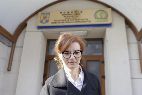 ZI DE FOC - Se reiau audierile în dosarul fiicei fostului preşedinte Băsescu şi al Elenei Udrea