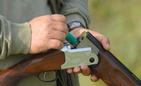 Tânăr împuşcat la vânătoare: Elicopterul SMURD l-a transportat de urgenţă la spital
