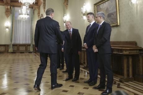 Băsescu 'răzbună' opoziția: A venit cu două propuneri de premier la consultările cu Iohannis