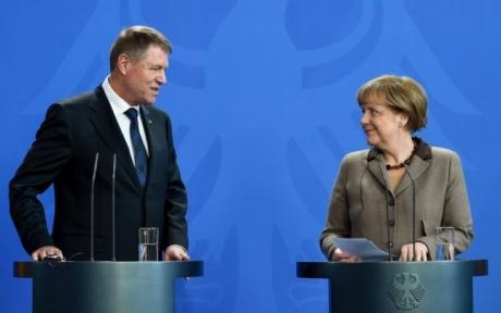 Sorin Roșca Stănescu: Angela Merkel și marioneta ei, Iohannis / ANALIZĂ