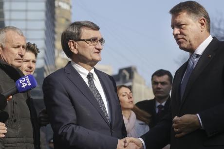 Victor Ciorbea ar putea primi DECISIVA, din cauza lui Klaus Iohannis: Azi intră la judecata CCR