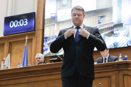 CCR explică de ce i-a dat dreptate lui Klaus Iohannis în conflictul cu Parlamentul: 'E diferență între forma votată de deputați și cea votată de senatori'