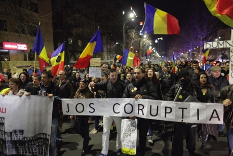Revoltă la adresa USR: 'Jos labele de pe manifestația românior din diaspora'