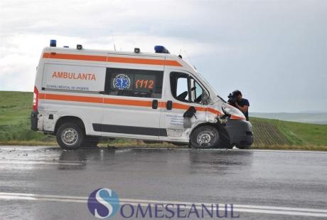 REVOLTĂTOR Un bărbat A MURIT, în timp ce ambulanța era la poartă: Medicul nu a vrut să intre în curte de frica unor pechinezi