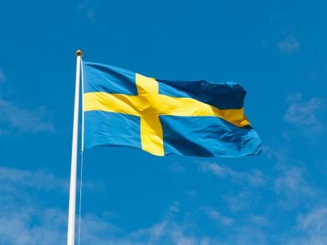 Suedia ar putea obliga băncile să ofere clienților bani cash
