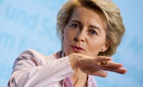 Comisia Europeană prezidată în premieră de o femeie: 383 de eurodeputați au votat pentru Ursula von der Leyen