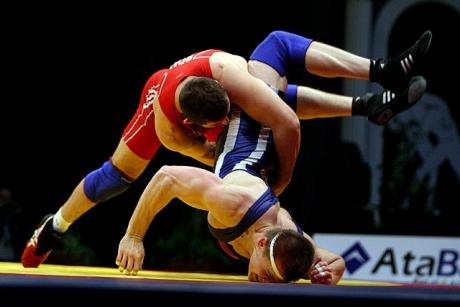 Nicu Ojog a obţinut medalia de argint la categoria 82 kg, la lupte greco-romane, la Campionatele Mondiale under 23