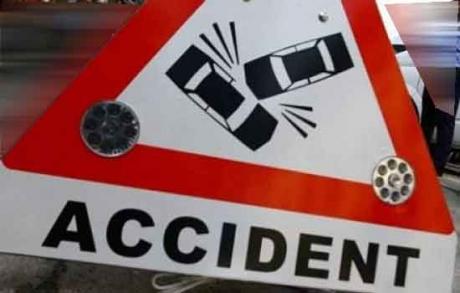 Accident ORIBIL pe DN6, cu trei mașini: 10 persoane au fost rănite, printre care și 3 copii