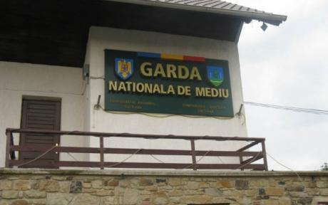 Compania de Apă Arad a fost amendată cu 50.000 de lei pentru poluarea unui canal din municipiul reşedinţă