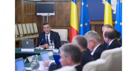 Calcule şi negocieri înaintea moţiunii de cenzură: Guvernul Sorin Grindeanu, 'pe muchie de cuţit'