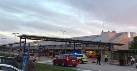 ALERTĂ TERORISTĂ în Suedia! Aeroportul din Goteborg e EVACUAT: Colet suspect cu explozibil