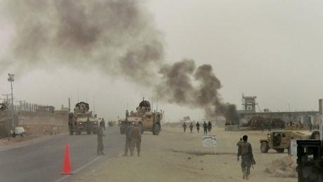 NATO, în ALERTĂ: Un convoi al organizaţiei a fost atacat - cinci victime