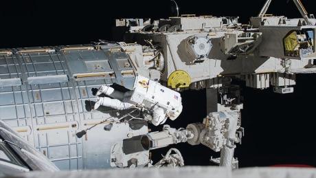 Astronauții de pe Stația Spațială Internațională au copt pentru prima dată fursecuri în spațiu