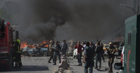 Cei din Afganistan au descoperit două gropi comune cu cadavrele unor civili răpiţi şi ucişi de Statul Islamic