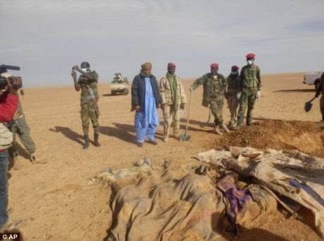 20.000 de migranţi africani aflaţi în drum spre Europa, în principal prin Libia, au fost salvaţi în deşertul Nigerului
