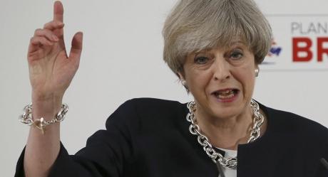 Veste imensă pentru românii din Marea Britanie: Ce a anunţat Theresa May