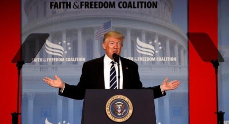 Cine este eminenţa cenuşie care l-a făcut preşedinte pe Donald Trump