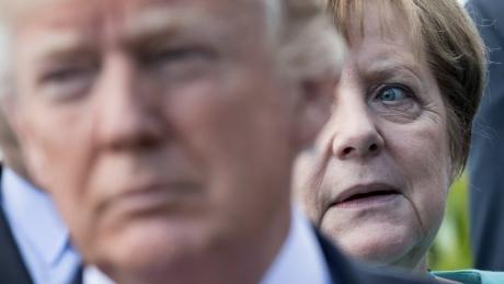 UE ameninţă că va riposta dacă Donald Trump impune taxe vamale la importurile auto