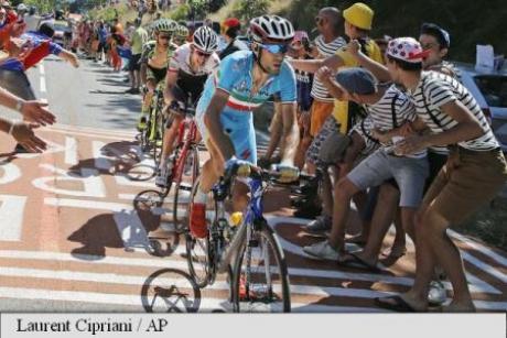 Ciclistul australian Rohan Dennis a rupt legătura cu echipa mai mult de o oră după ce a abandonat Turul Franţei