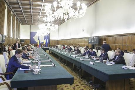 Guvernul a DECIS: deschide de URGENȚĂ punga cu bani. Ce categorii beneficiază