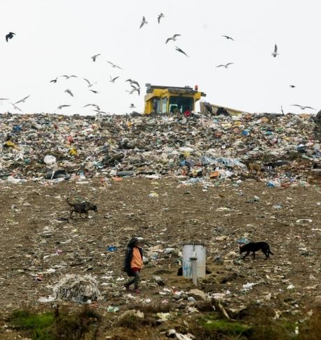 Doar 28 de județe vor avea depozite de deșeuri: Ce se va întâmpla cu gunoaiele din celelalte județe