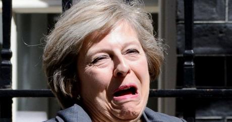 Fotografia cu Theresa May a devenit VIRAL pe internet: Cum e ironizat premierul britanic - FOTO