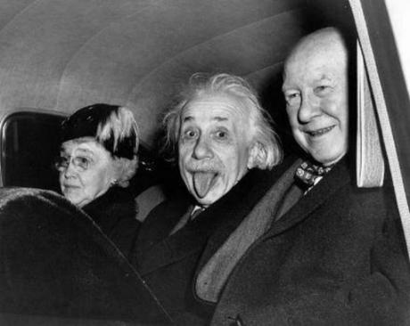 Povestea neștiută din spatele celei mai celebre fotografii cu Albert Einstein