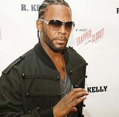 Muzicianul R.Kelly rămâne în închisoare până la proces
