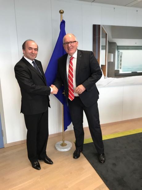 Tudorel Toader, întâlnire de grad ZERO la Bruxelles. Ce a discutat ministrul cu prim-vicepreşedintele Comisiei Europene