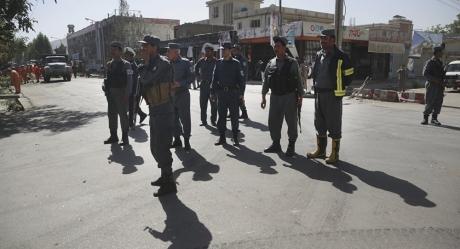 Un centru de antrenament al serviciilor de informaţii afgane din Kabul a fost luat cu asalt