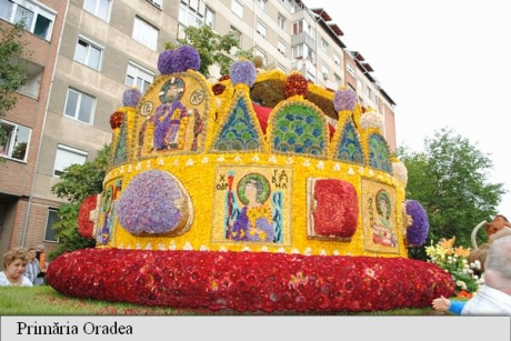 Patru care alegorice de la Carnavalul Florilor din Debrețin, la Oradea - FOTO