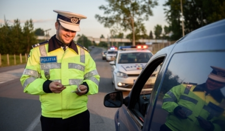 Intervenţie în forţă a poliţiştilor: Într-o singură zi, peste 500 de şoferi au rămas pietoni. Amenzile ating un prag fabulos