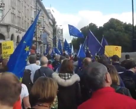 Protest MASIV în centrul Londrei pentru un al doilea referendum: sunt așteptați 700.000 de oameni
