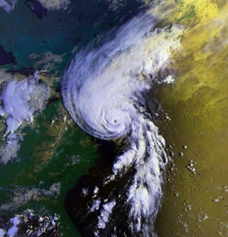 Alertă la Mumbai: Ciclonul Nisarga s-a intensificat și se apropie de coastele sud-vestice ale Indiei