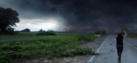 Avertizare METEO de ULTIM MOMENT - Cod ROȘU de vijelii, ploi torențiale și grindină într-un județ din țară