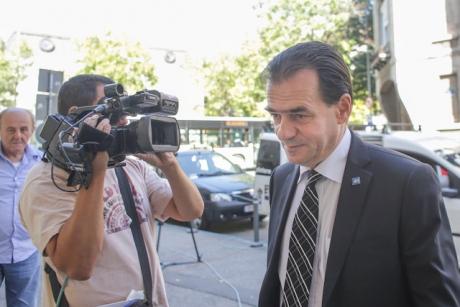 Liberalii aşteaptă SEMNALUL lui Iohannis: 'Preşedintele are de ales între două rele...' - VIDEO