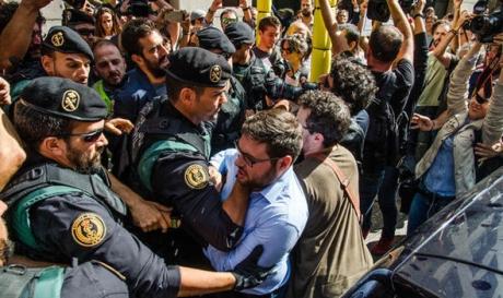 ȘOC în Catalonia: Doi lideri separatiști au fost ARESTAȚI
