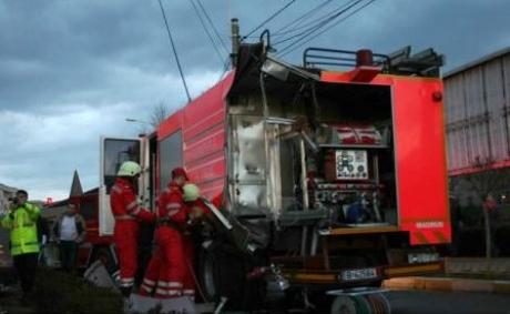 ALERTĂ în Dolj - Pompierii continuă căutările în cazul adolescentului dispărut în Jiu