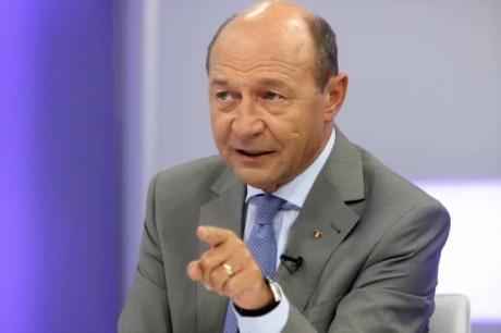 Traian Băsescu s-a dezlănţuit în Senat. Acuzaţii la adresa USR: 'Probabil au un mare interes în protejarea acestor secrete'