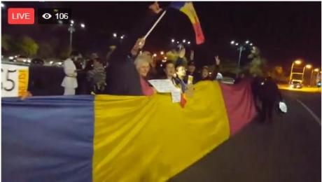 Protest în Piaţa Victoriei. Oamenii scandează împotriva ministrului Justiţiei - VIDEO